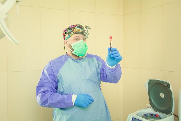 Максим Макаренко стоматолог