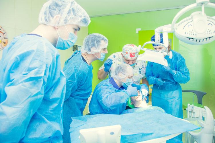 """DSC 0601 750x500 - Лекція """"Імплантація зубів. Установка імпланта implantswiss. Аугментація кісткової тканини"""" пройшла 24.03.2019"""