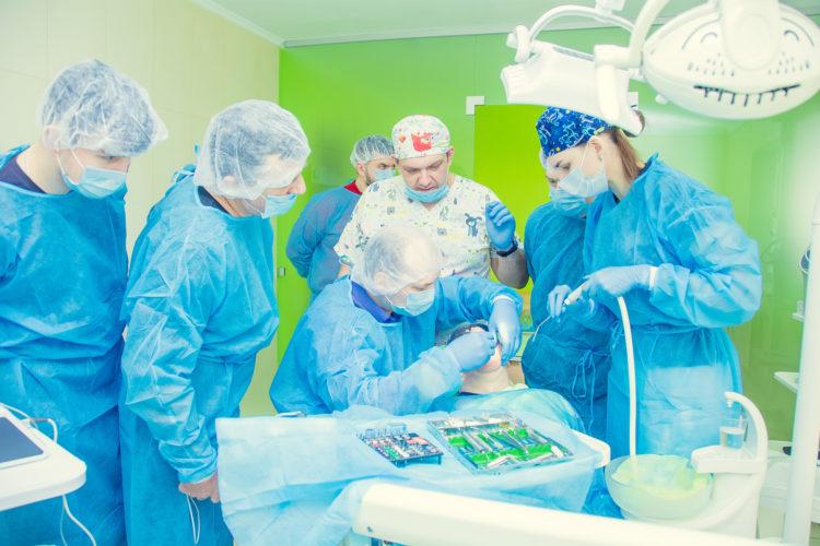 """DSC 0643 750x500 - Лекція """"Імплантація зубів. Установка імпланта implantswiss. Аугментація кісткової тканини"""" пройшла 24.03.2019"""