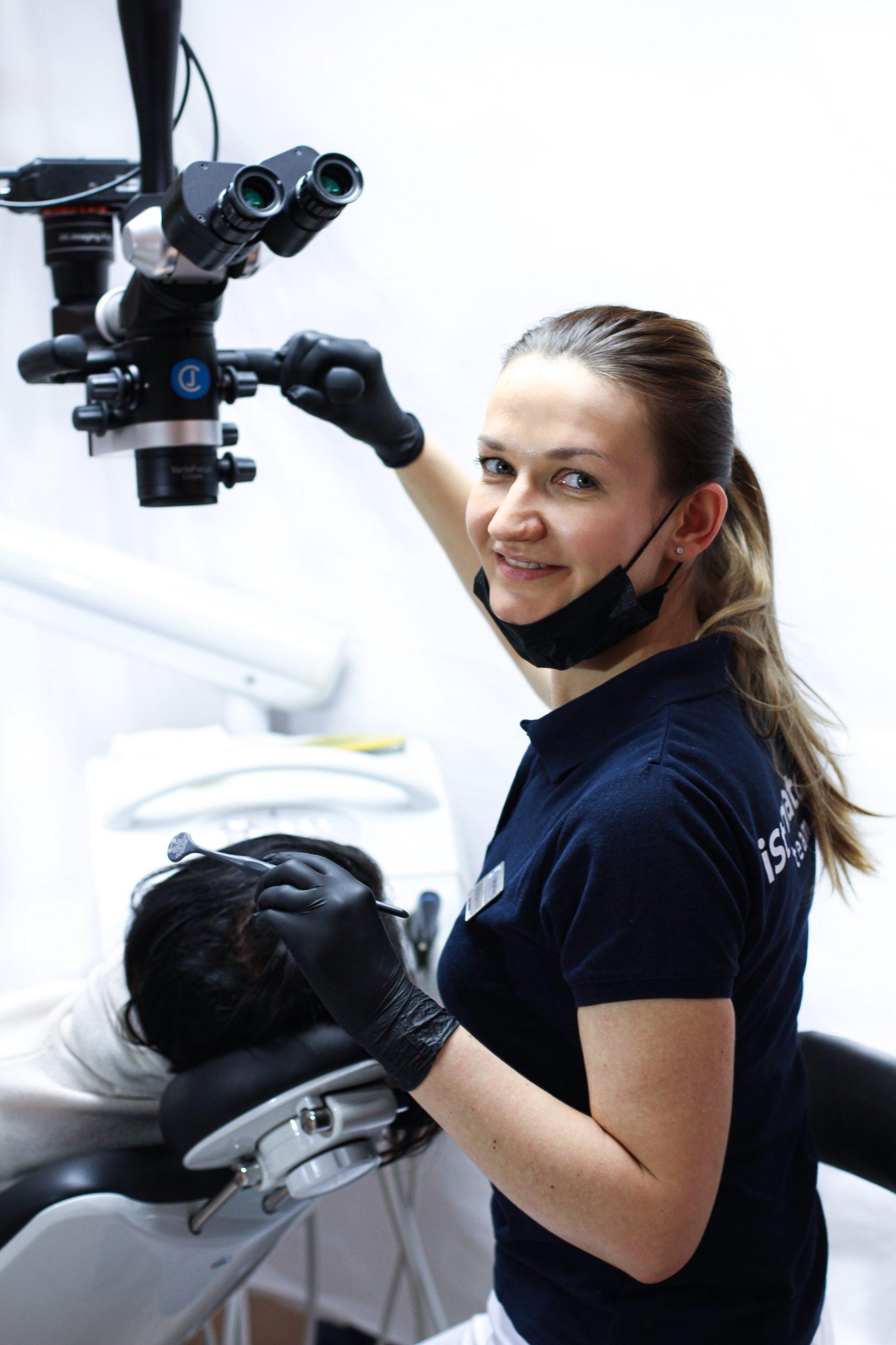 Лечение каналов с микроскопом